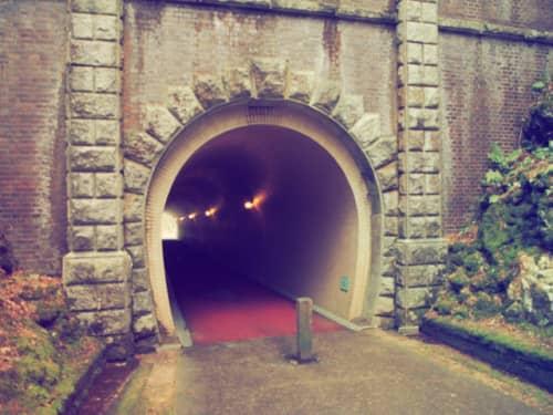 紅葉谷のトンネル