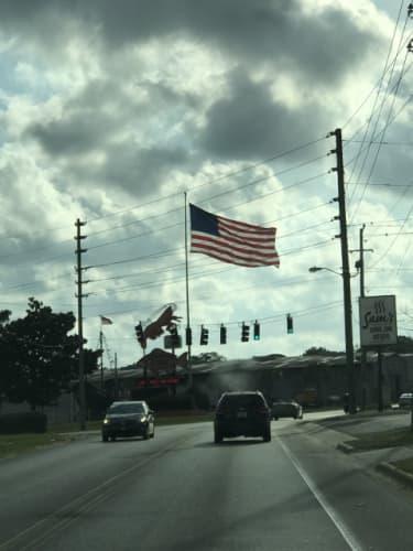 街で見かける星条旗