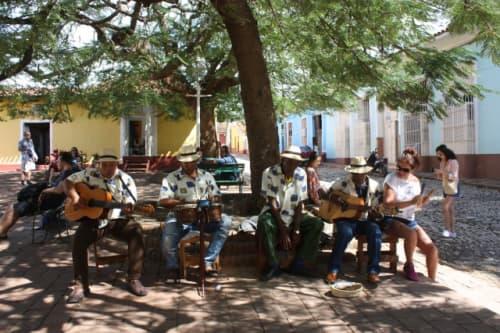 キューバの音楽演奏者たち
