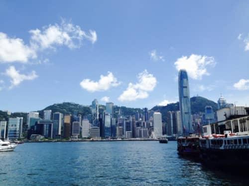 香港のヴィクトリア湾の風景