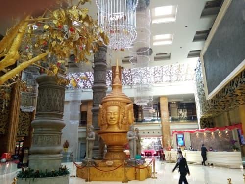 カンボジア最大のカジノがあるナーガ・ホテル