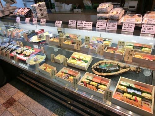 志乃多寿司総本店 ショーケース