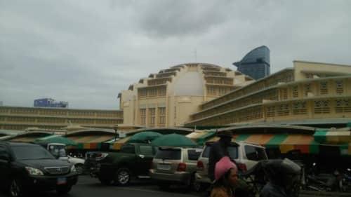 プノンペンの中央市場