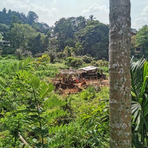 採掘場に建てられた休憩小屋