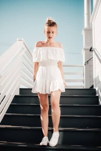 マッサージ嬢はこのような服を着ていることが多い