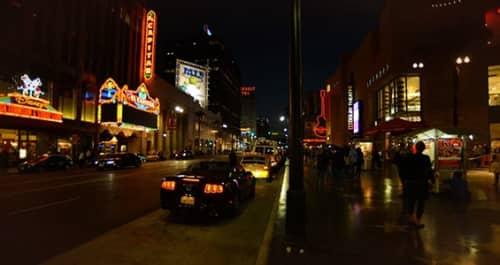 ロサンゼルスの夜道