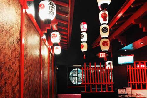 WOW sake barの中