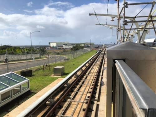 2鉄路の電車