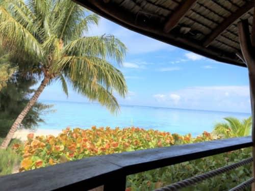 タヒチの青い海