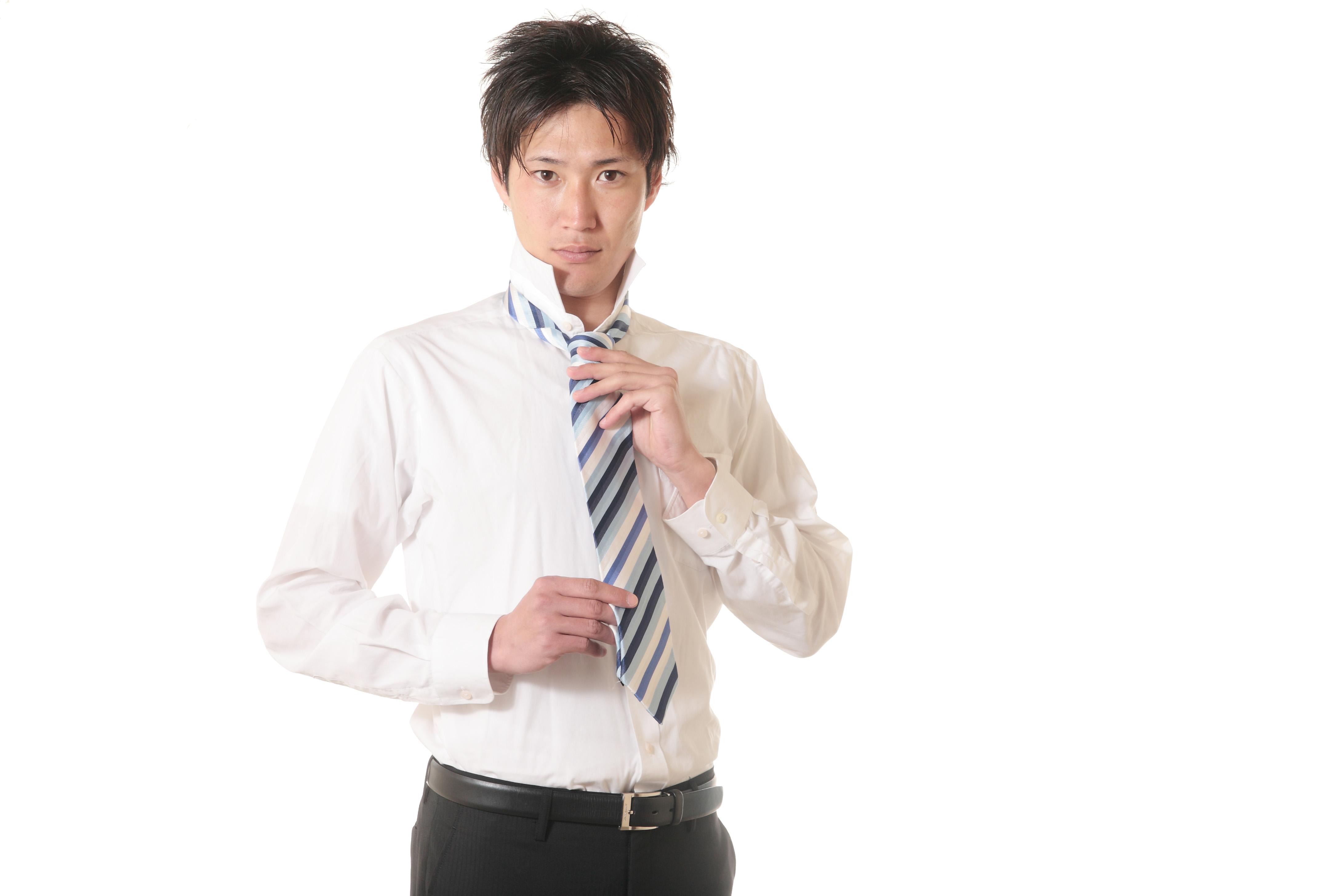 ネクタイの相場って?本数から値段、プレゼント用まで平均を紹介!