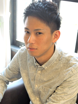 くせ毛は短髪で活かす!かっこいい髪型やセットの仕方を徹底解説!