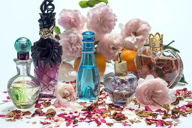 アロマ香水の作り方!簡単おすすめレシピでオリジナル香水を!