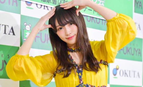 黄色シフォンの渡辺梨加