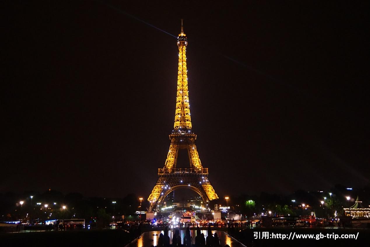 パリ エッフェル塔ライトアップ