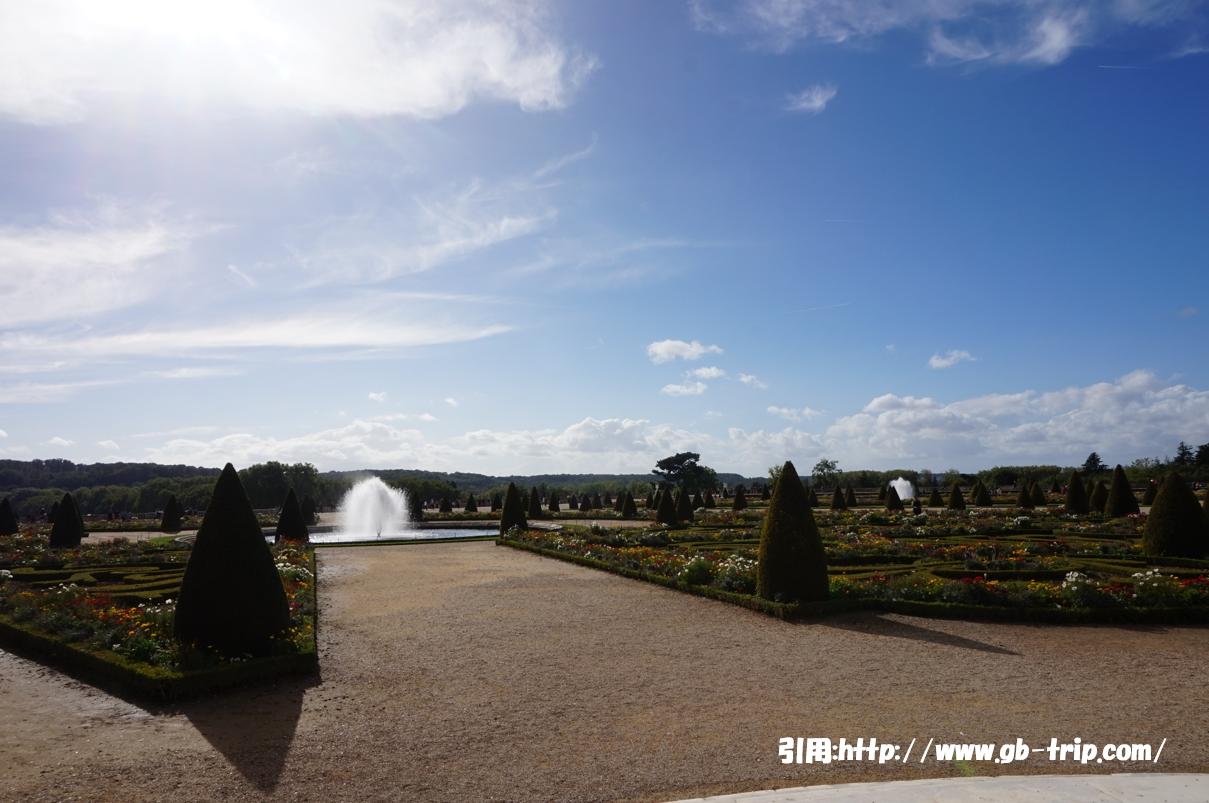 パリの風景 ベルサイユ宮殿 庭