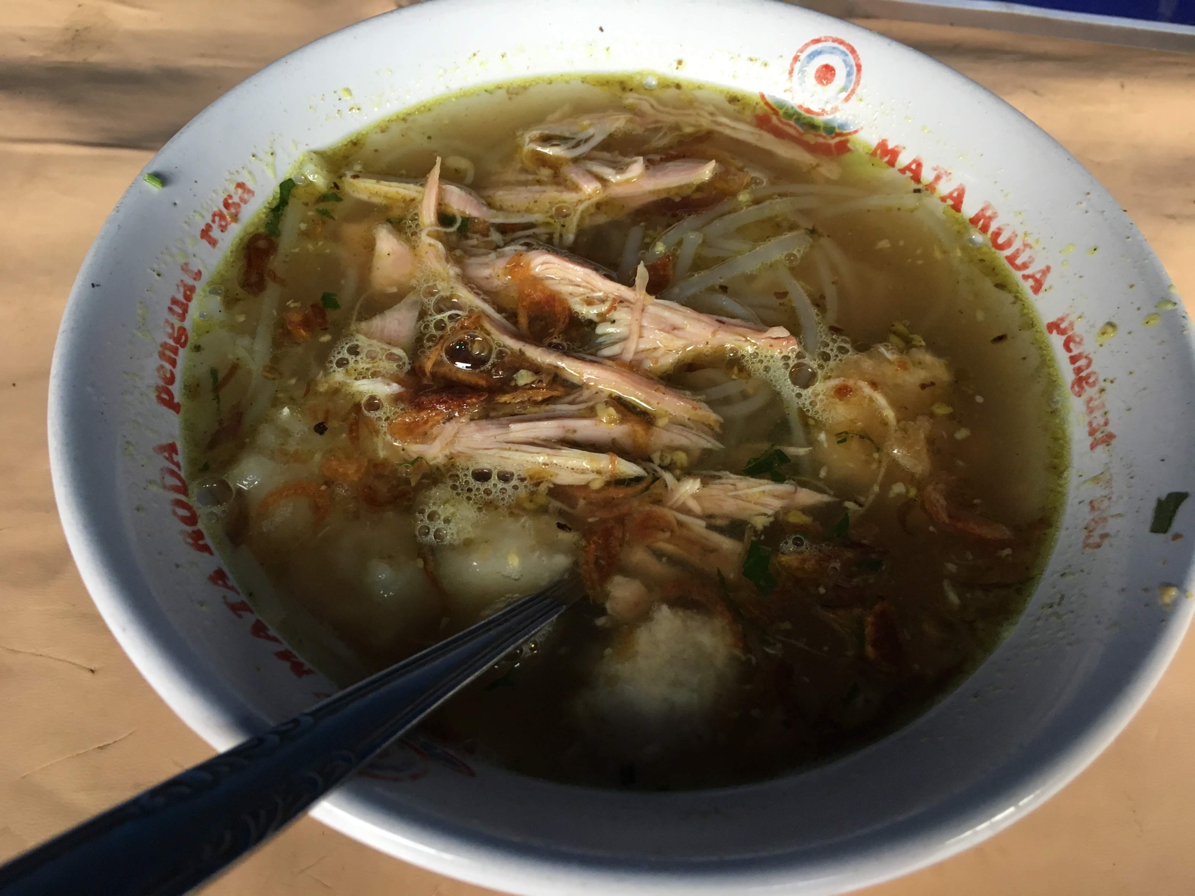 インドネシア料理 ソトアヤム (Soto Ayam) チキンスープ