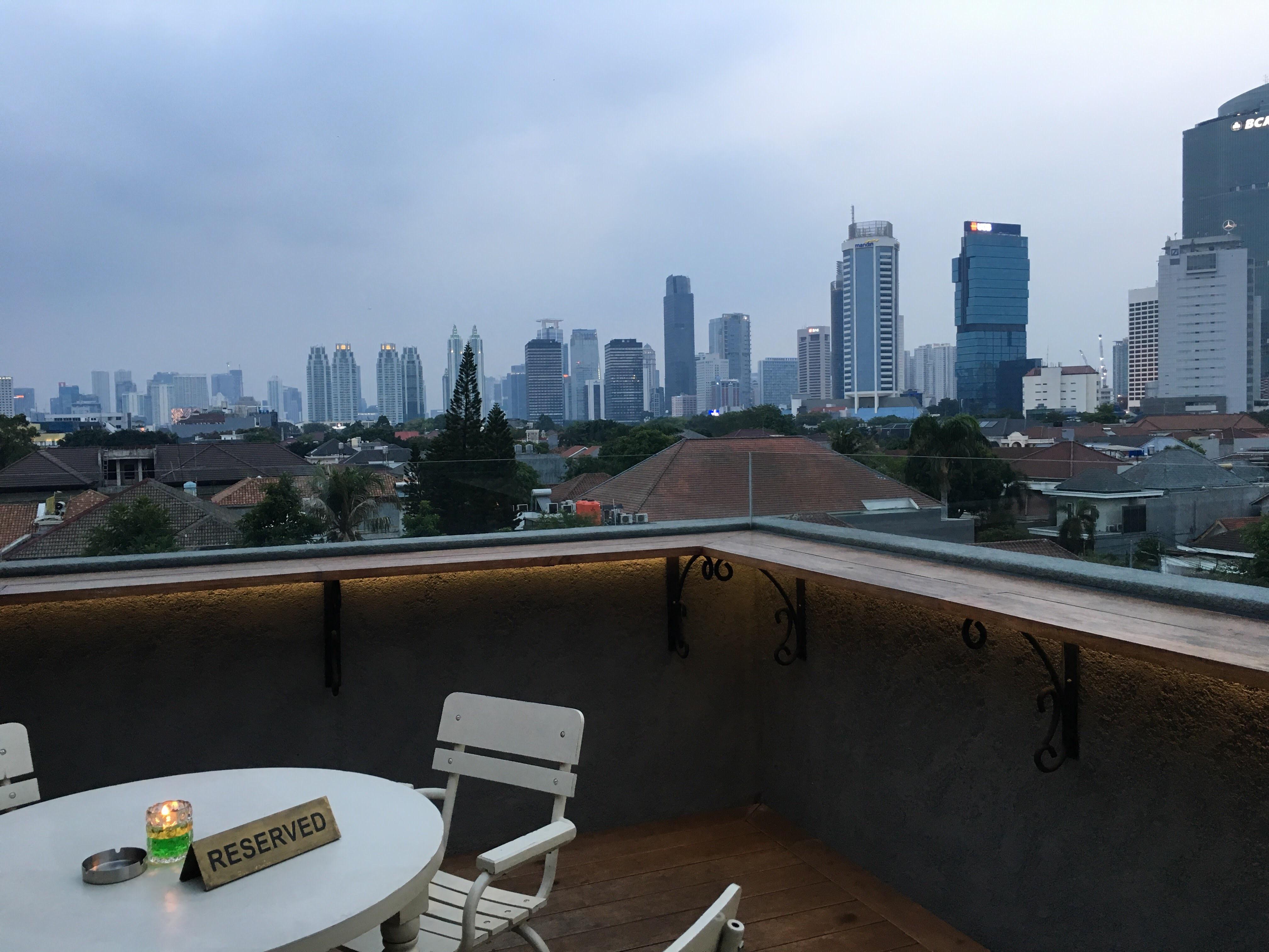 ジャカルタ インドネシア料理レストラン プラタラン(Plataran)ルーフトップからの景色