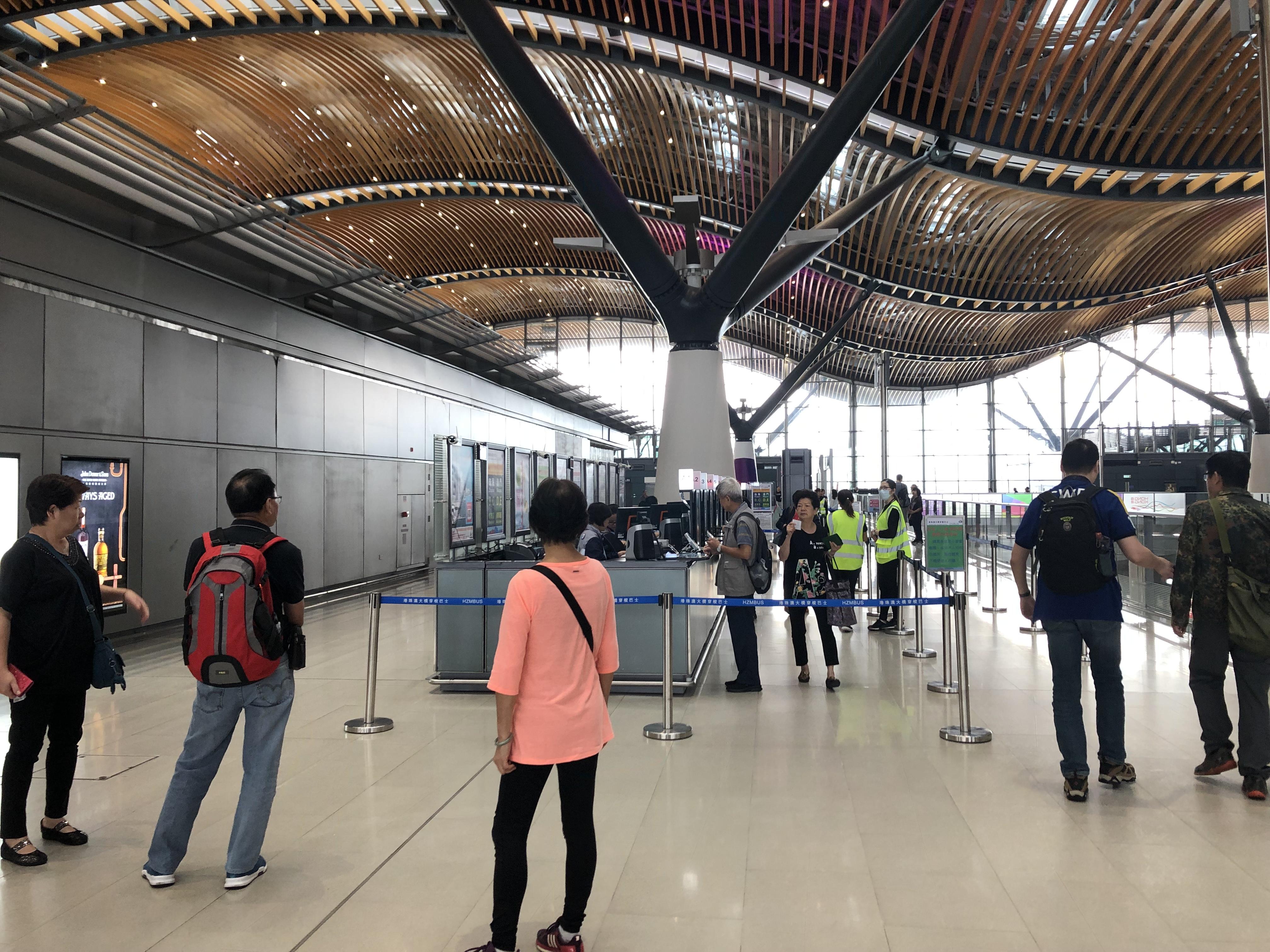 港珠澳大橋の香港側の乗り場「香港口岸」シャトルバスチケット購入