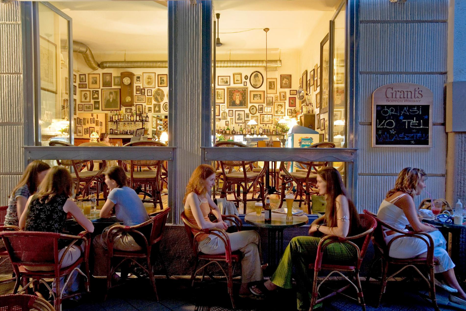 ハンガリーのカフェ