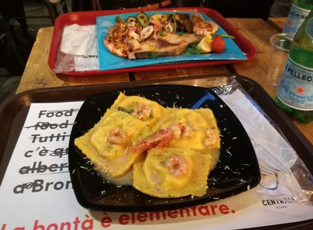 テルミニ駅構内のレストラン
