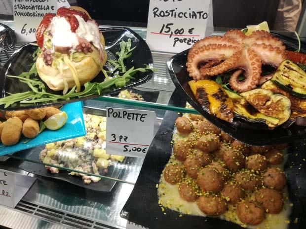 テルミニ駅構内のレストランのご飯