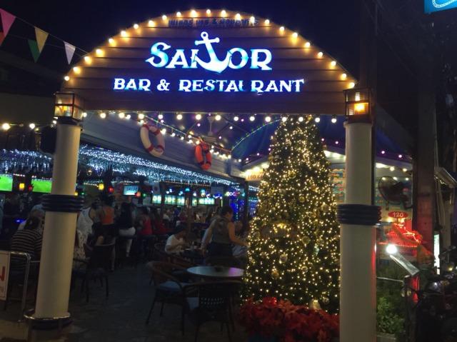 パタヤのレストラン SAILOR BAR