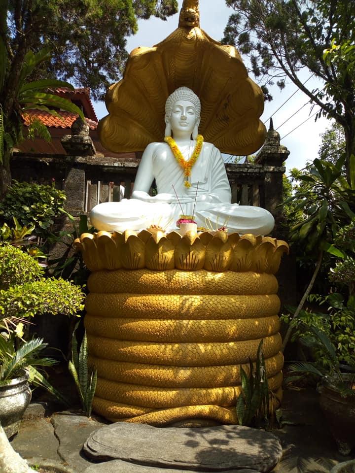 バリ島の仏像