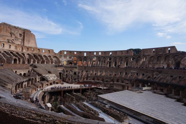ローマ コロッセオの内部
