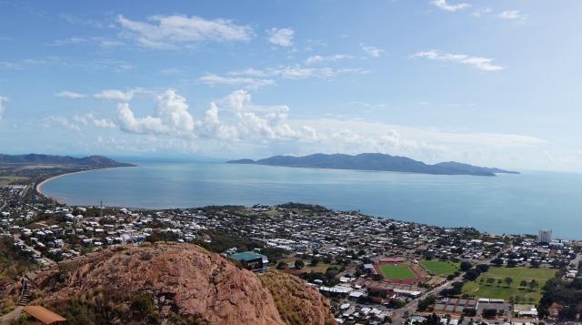 オーストラリア タウンズヒルの丘からみた絶景