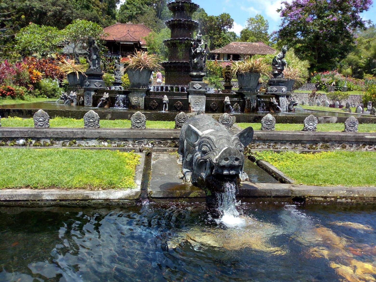 バリ島・水の離宮ティルタガンガ