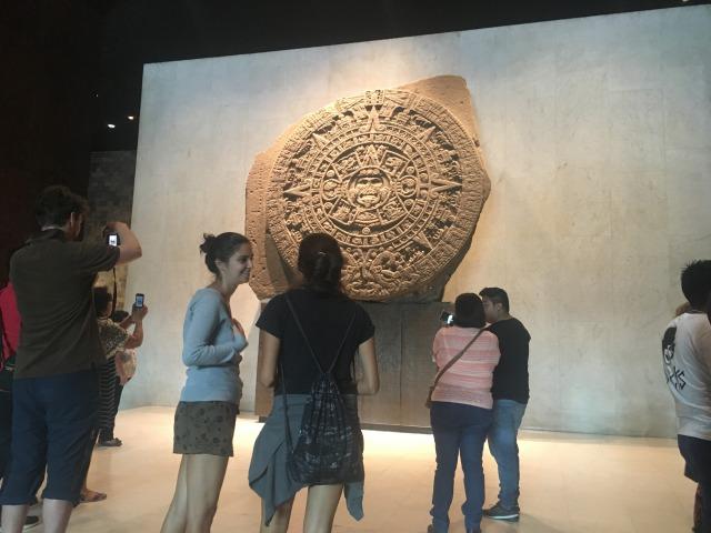 メキシコシティ 国立人類学博物館 太陽の石