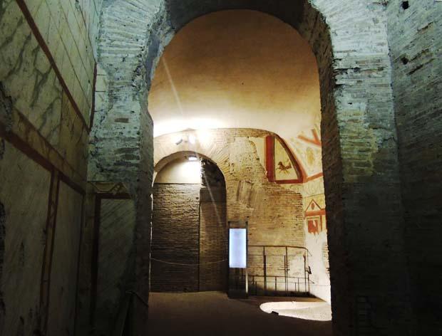 ローマの遺跡 壁画のイルミネーション