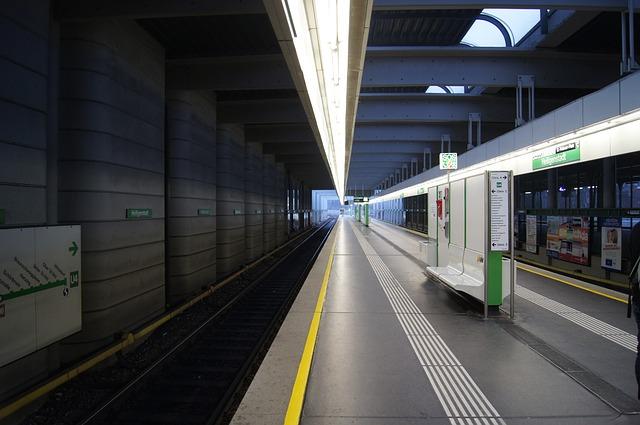 ウィーン シェーンブルン駅