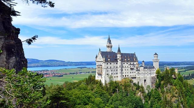 定番から穴場まで!在住経験者がおすすめするドイツの素敵な城8選!