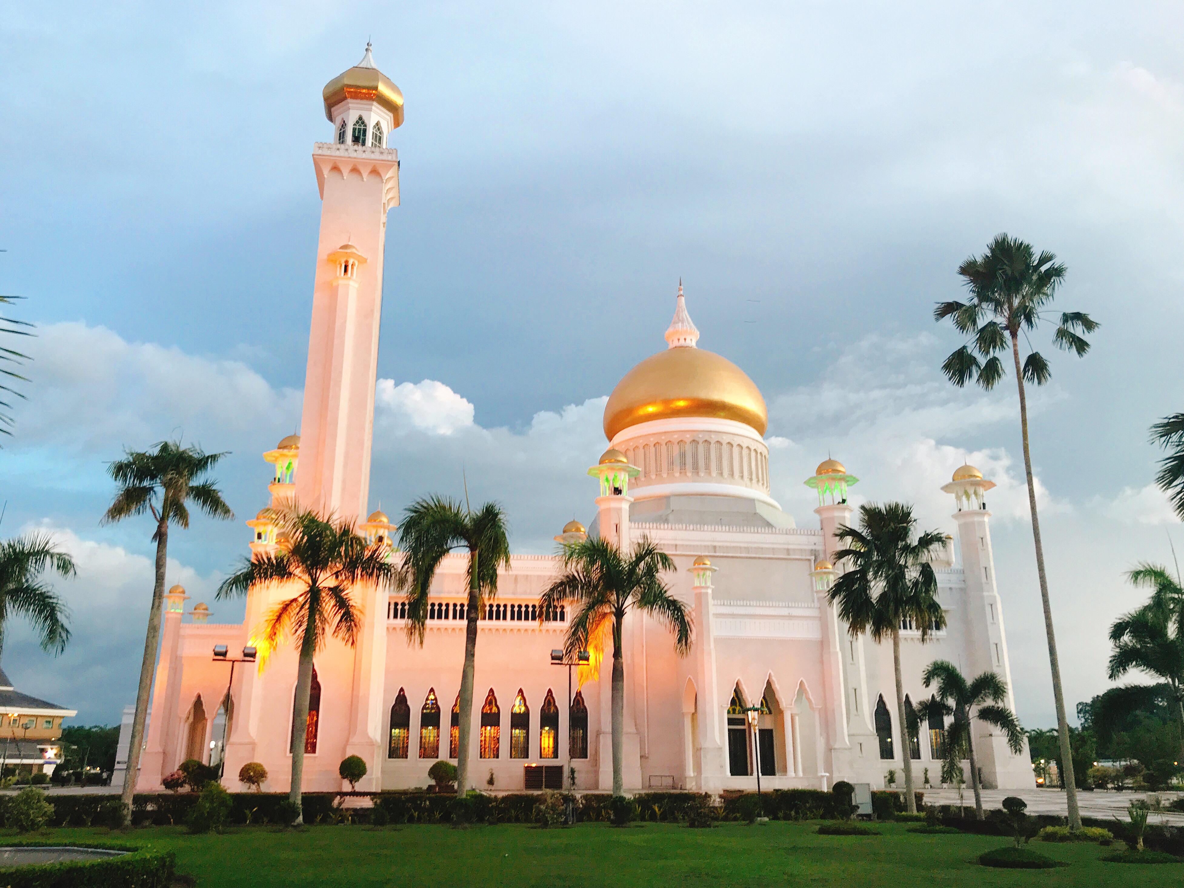 夕暮れ時のオールドモスク
