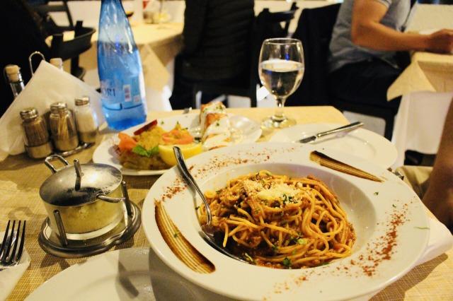 サントリーニ島 ギリシャ料理レストラン「Apsithia」