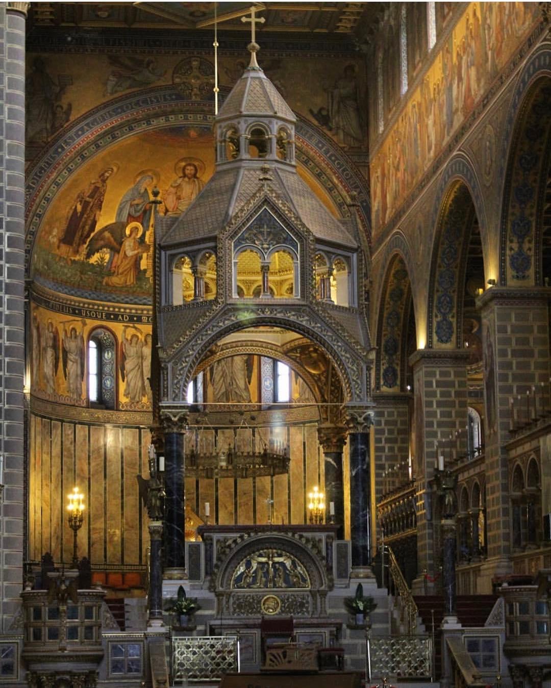 ハンガリー ペーチ大聖堂