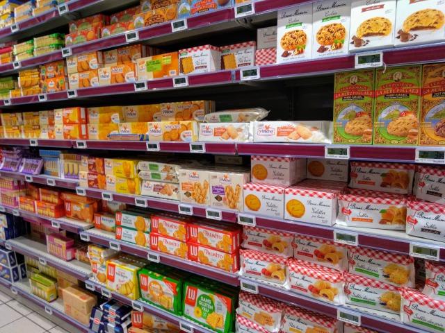 モノプリのお菓子売場