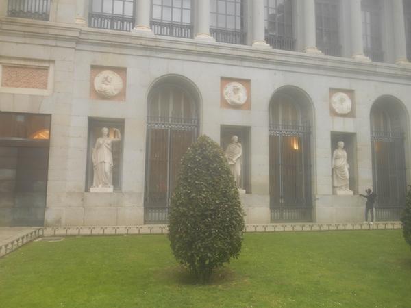 プラド美術館の外観
