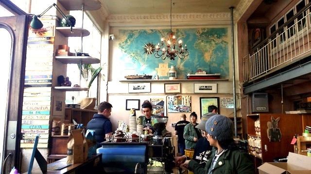 カフェ横には豆の直売所を併設