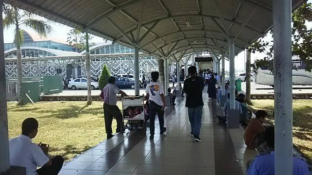 ロンボク空港