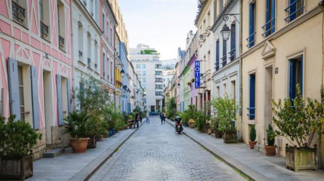 パリの美しい街並み
