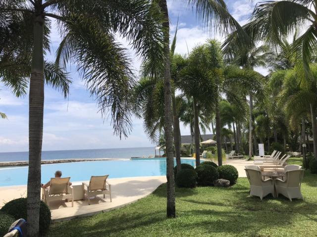 Mangodlong Paradise Beach Resortのプール
