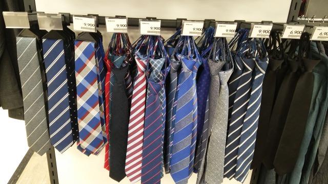 結ばなくても良いネクタイ