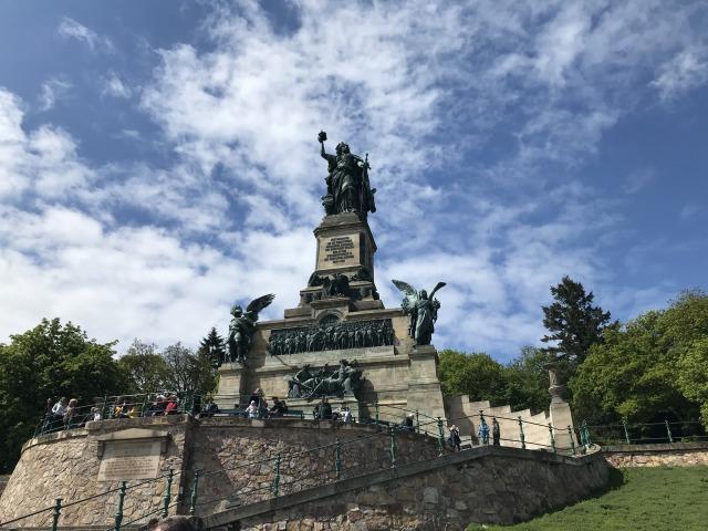 リューデスハイムニーダーヴァルトの丘