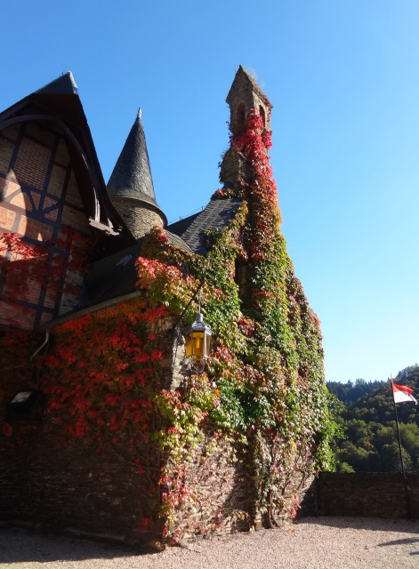 秋のコッヘム城