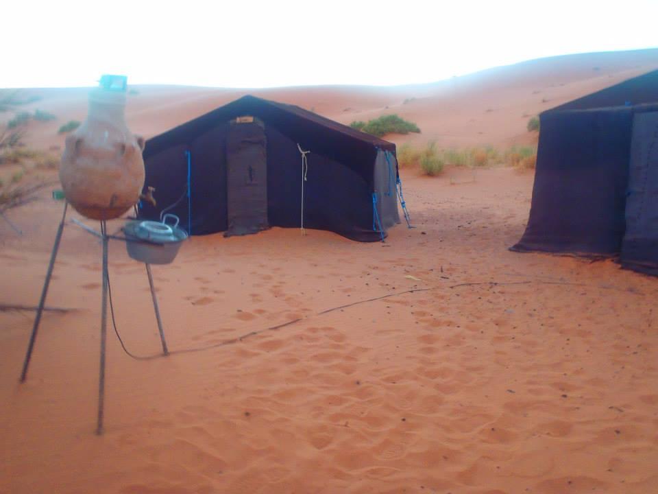 サハラ砂漠のキャンプ
