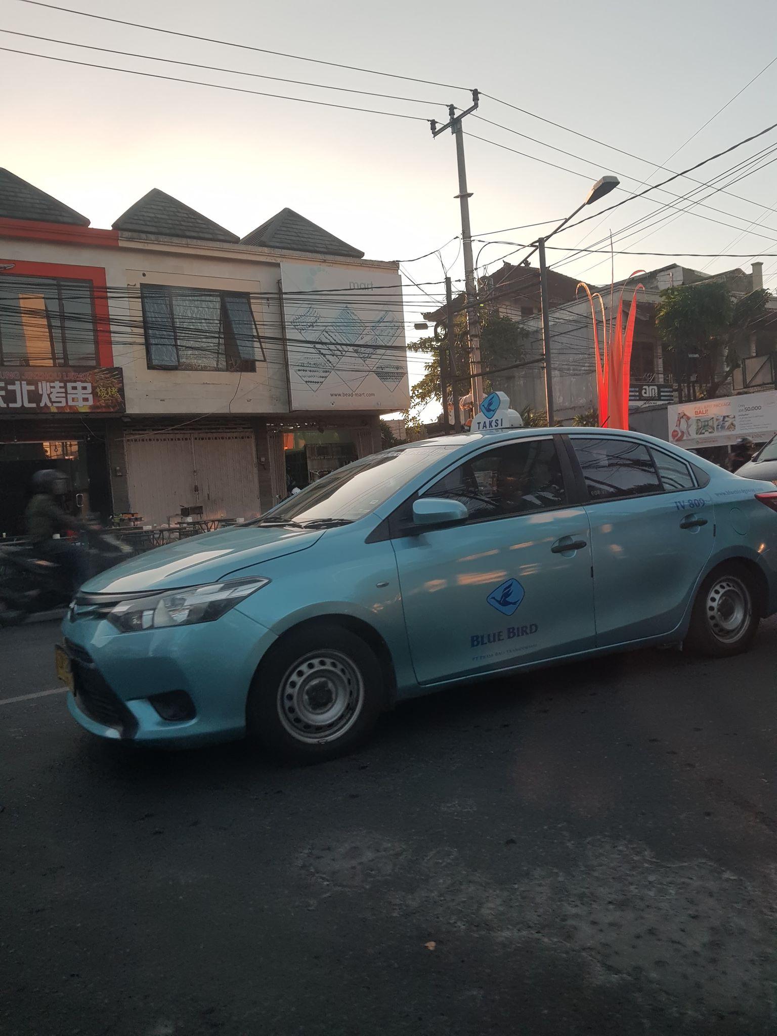 バリ島タクシー