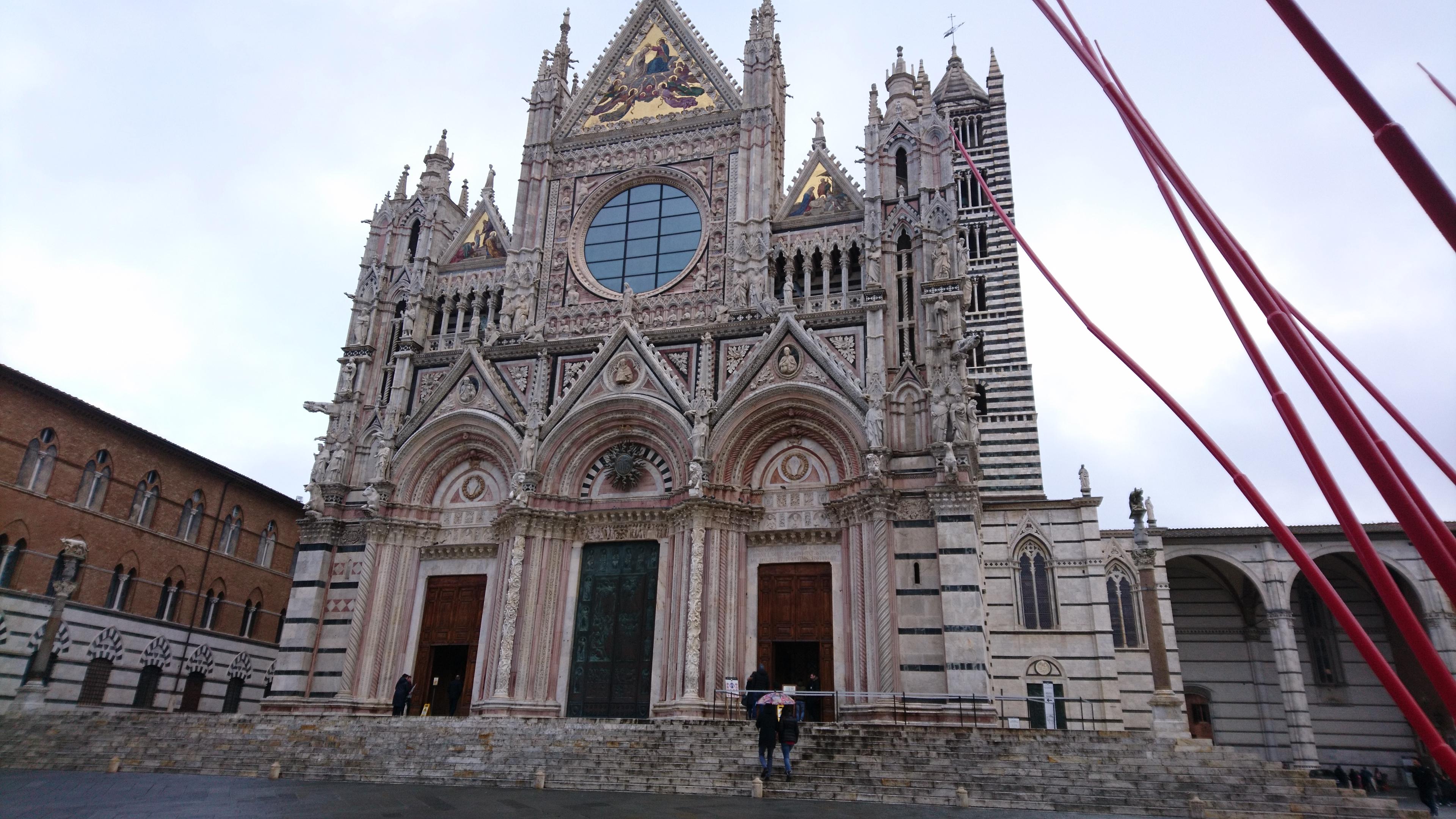 シエナ大聖堂正面