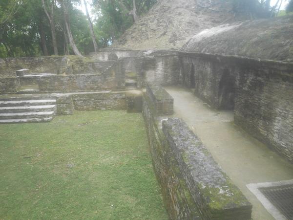 カル・ペチ遺跡